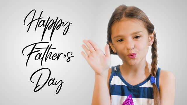 vídeos de stock, filmes e b-roll de dia dos pais crianças fofas filha enviar beijos para o pai. celebração do dia dos pais. antecedentes, cartão. conceito de momentos felizes, casual, amor, sentimentos, beijo - dia dos pais