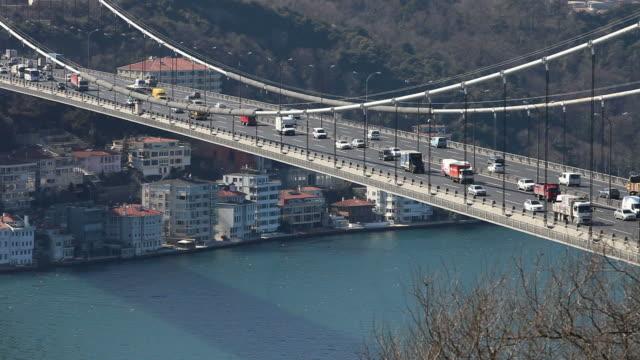 hd: fatih sultan mehmet bridge,  istanbul, turkey - realtid bildbanksvideor och videomaterial från bakom kulisserna