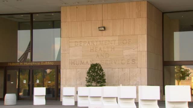 hd federal building health zoom_1 (1080/24p) - cumhuriyet günü stok videoları ve detay görüntü çekimi