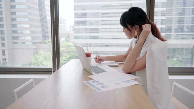 Female Accountant or Marketing Check documents