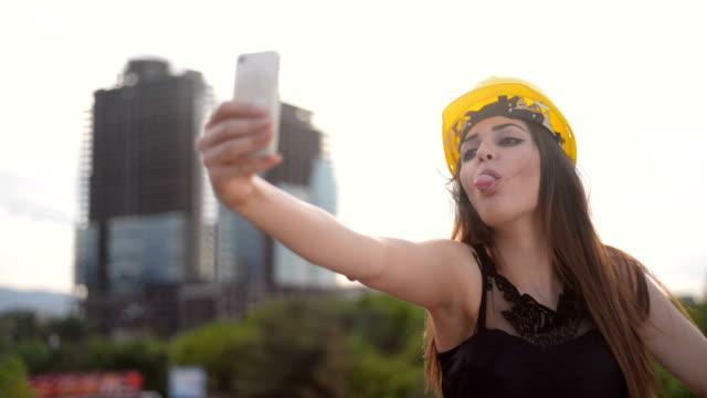 Femme architecte - Vidéo