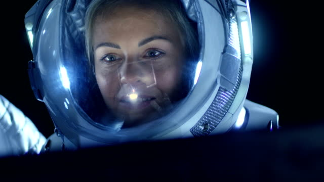 astronaut pregnant in space movie - photo #42