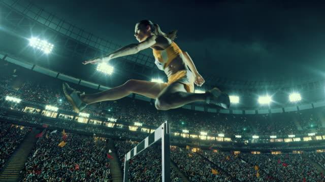 女性アスリート スポーツ レースのハードル - 陸上競技点の映像素材/bロール