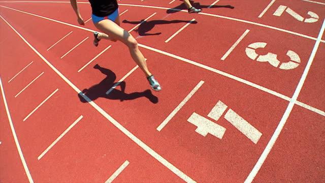hd スローモーション:女性アスリート - 陸上競技点の映像素材/bロール