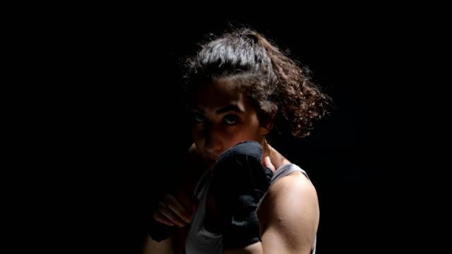 female boxer - donna forzuta video stock e b–roll