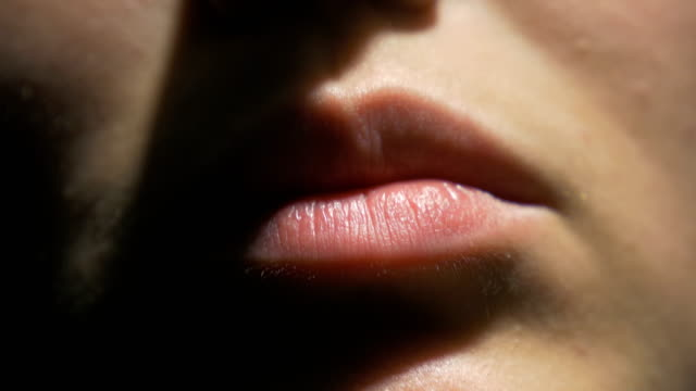 female lips close up - рот стоковые видео и кадры b-roll