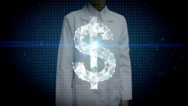 forscherin, ingenieur bildschirm berührt, sammeln zahlreiche punkte um eine währung dollarzeichen, low-polygon-web zu erstellen. - woman and polygon stock-videos und b-roll-filmmaterial