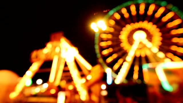 dönme dolap geceleri - circus stok videoları ve detay görüntü çekimi