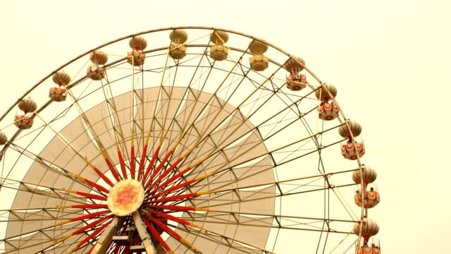 vídeos y material grabado en eventos de stock de ferris wheel en time lapse - noria