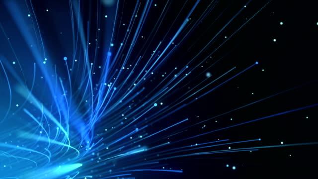 vídeos de stock, filmes e b-roll de cabos de fibra óptica global transferência de dados de fundo loopable - fibra óptica