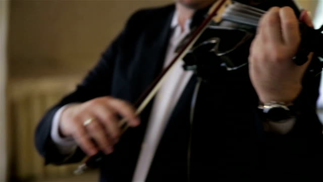 Fiddler playing the violin video