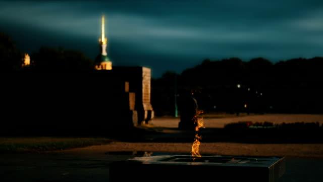 field of mars, memorial - san pietroburgo russia video stock e b–roll