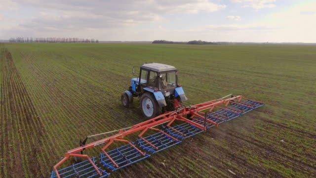 Fieldwork - field treatment, weed management and prevention of moisture loss video