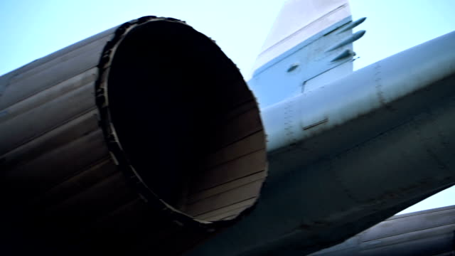 Fighter aircraft jet engines video