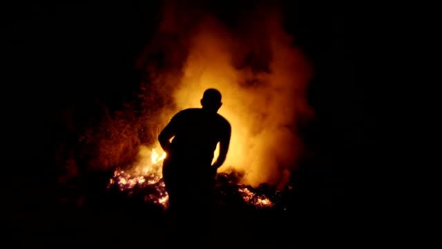 La lucha contra los incendios forestales - vídeo