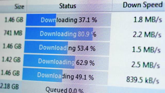 02 processo di download dei file - scaricare dall'internet video stock e b–roll