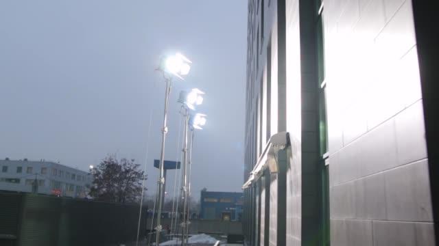 film belysning utrustning utomhus - skylift bildbanksvideor och videomaterial från bakom kulisserna