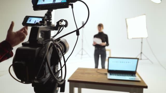 vidéos et rushes de décor de film - interview