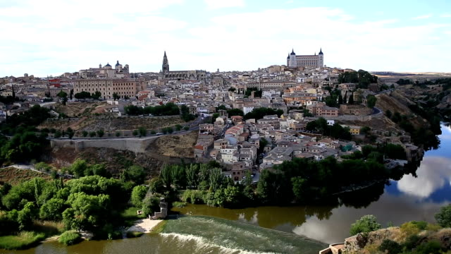 HD Film tilt: Toledo ancient town Cityscape Spain video