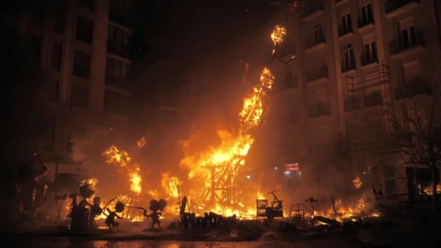 final event la crema on fallas festival. fire destroying the construction - ruined stock videos & royalty-free footage