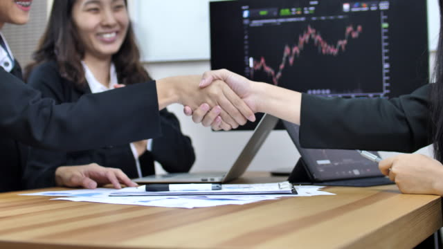 Financial Business sign contract Agreement and Handshake Financial Business sign contract Agreement and Handshake east asian culture stock videos & royalty-free footage