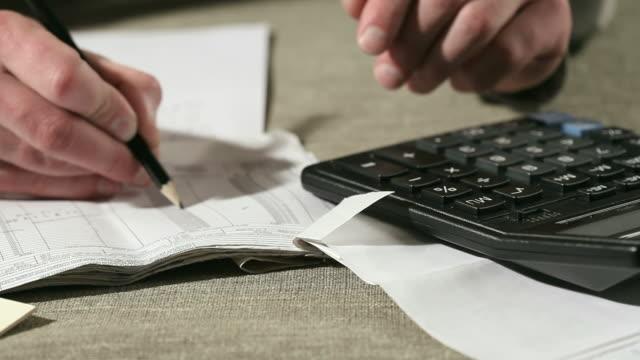 Financial data analyzing video
