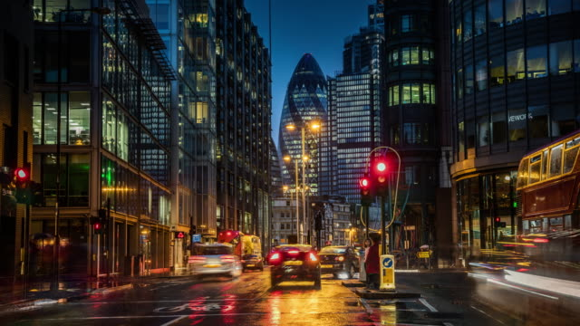 Financial district in London at dusk - Time Lapse