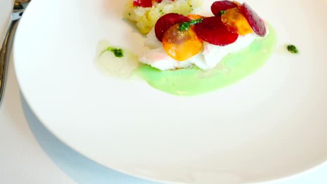 vídeos y material grabado en eventos de stock de restaurantes elegantes - comida española