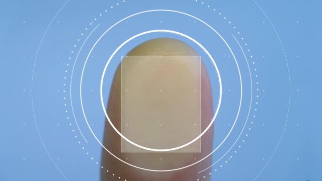 fingerprint scan, match not found, access denied, authorization fail, forensics - замок средство безопасности стоковые видео и кадры b-roll