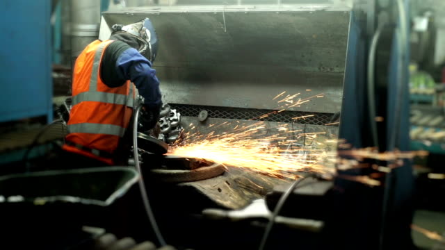 Finishing a casting with an angle grinder. video