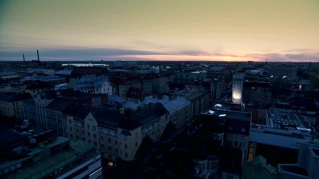 Finlande la ville de Helsinki coucher du soleil en accéléré - Vidéo