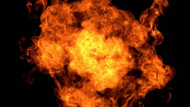brandexplosion in die kamera mit alpha-kanal - fackel stock-videos und b-roll-filmmaterial