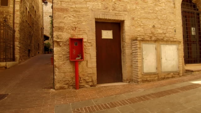 fire extinguisher in downtown Assisi video