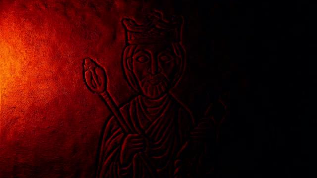 fire lights king carving på rock wall - påve bildbanksvideor och videomaterial från bakom kulisserna