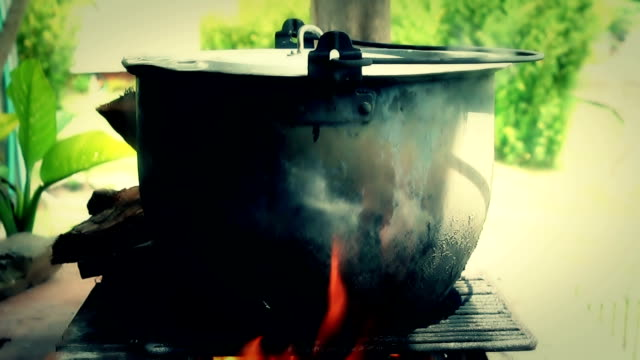 Fire soup pot 01 video
