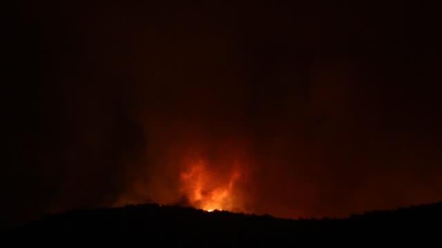 fire whirl - fire tornado - tornado video stock e b–roll