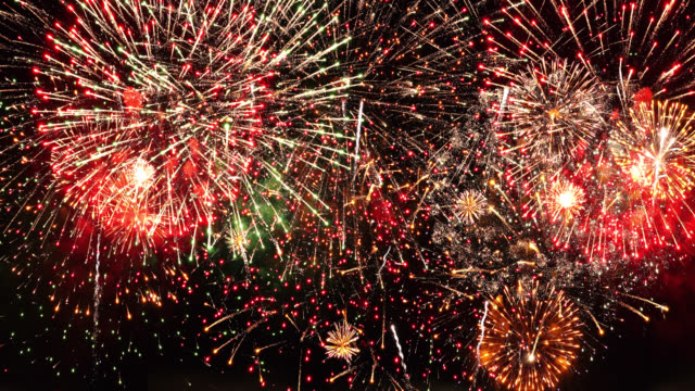 firework 4k audio available - giorno dell'indipendenza video stock e b–roll