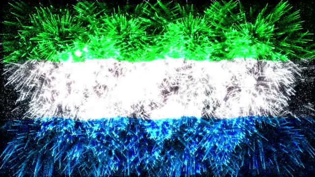 fuochi d'artificio con bandiera della sierra leone - sierra leone video stock e b–roll