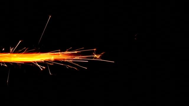 di fuoco d'artificio candela magica - traccia video stock e b–roll