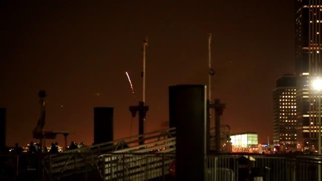Feuerwerk in New York in der Nacht – Video