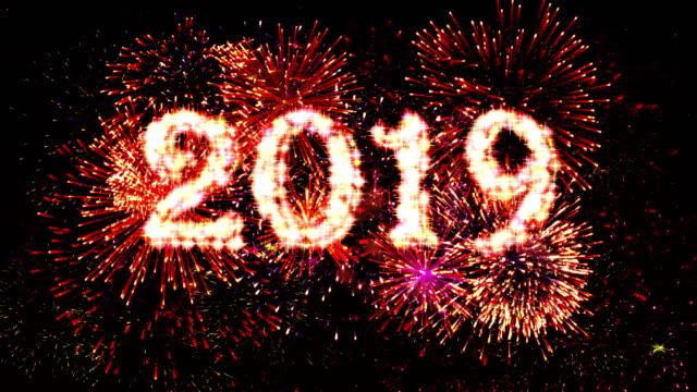 Conteo de la pantalla de fuegos artificiales 2019 rojo 4k. - vídeo