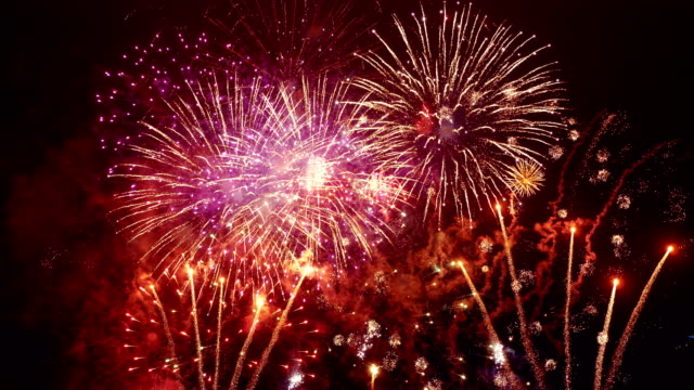 fireworks show in 4k slow motion - canada day stock videos & royalty-free footage