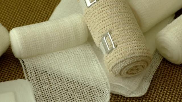 first aid kit with dressing material - rana filmów i materiałów b-roll