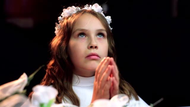 vidéos et rushes de première communion - communion