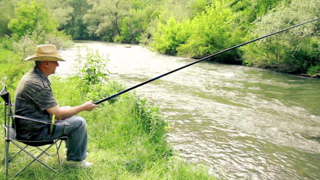 漁師  - 釣りをする点の映像素材/bロール