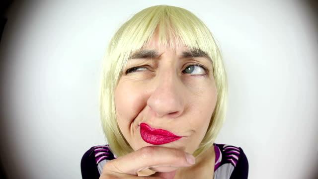 Fisheye Thinking Blonde Character video