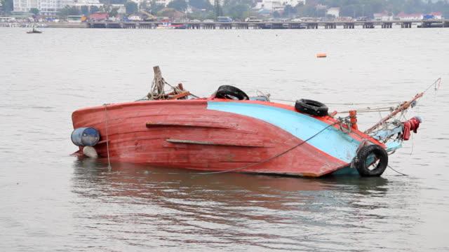 Fishing boat capsize. video