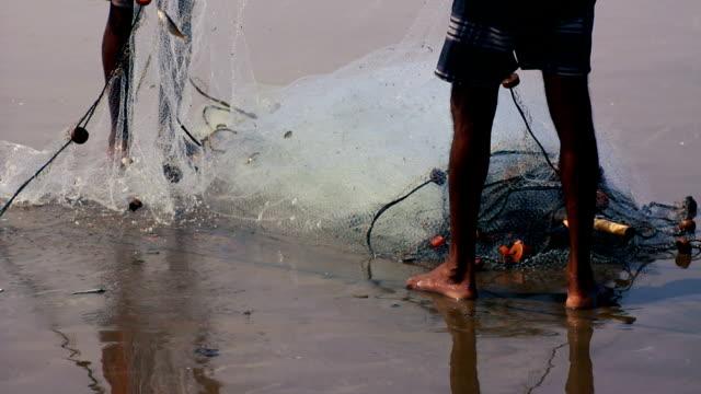魚網  - 漁師 外人点の映像素材/bロール
