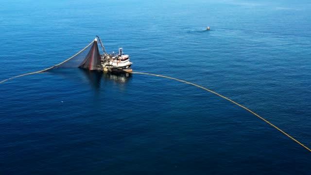fiskefartyg - fiskebåt bildbanksvideor och videomaterial från bakom kulisserna