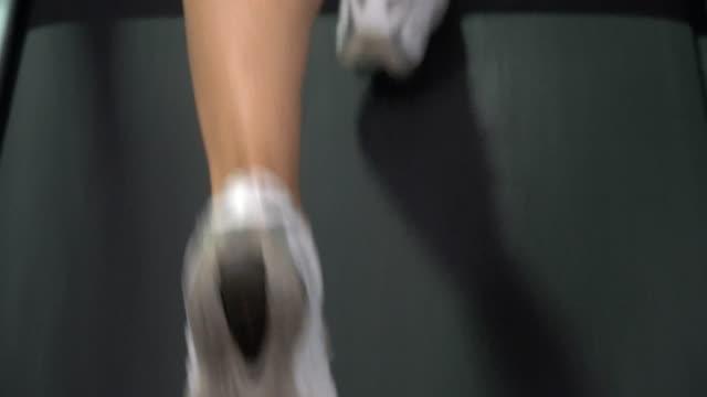ジョギング フィットネス トレーニング練習 - 女性選手点の映像素材/bロール